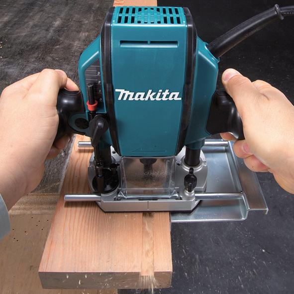 fresadora makita RP0900 madera
